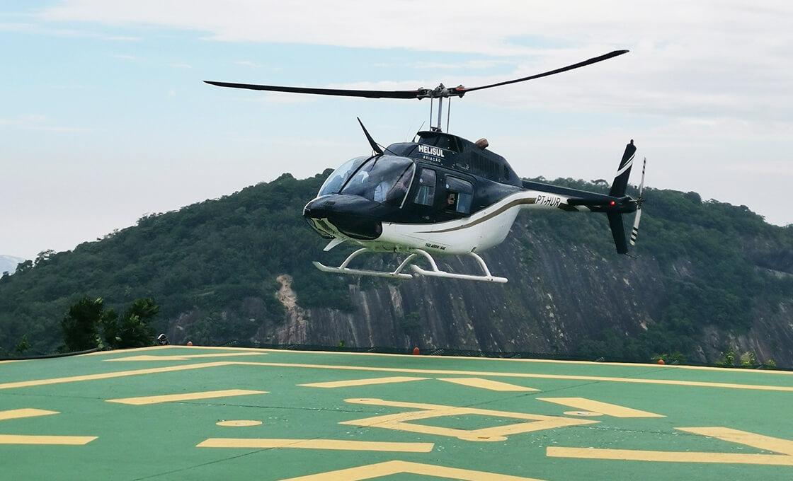 Voyage en hélicoptère au Brésil