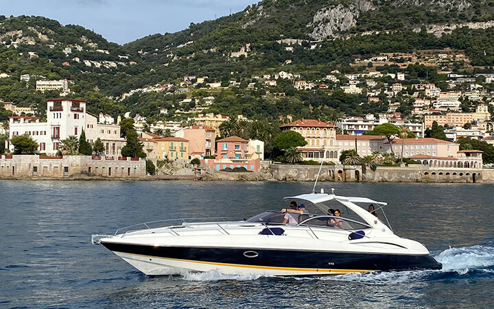 Bateau sur la Côte d'Azur