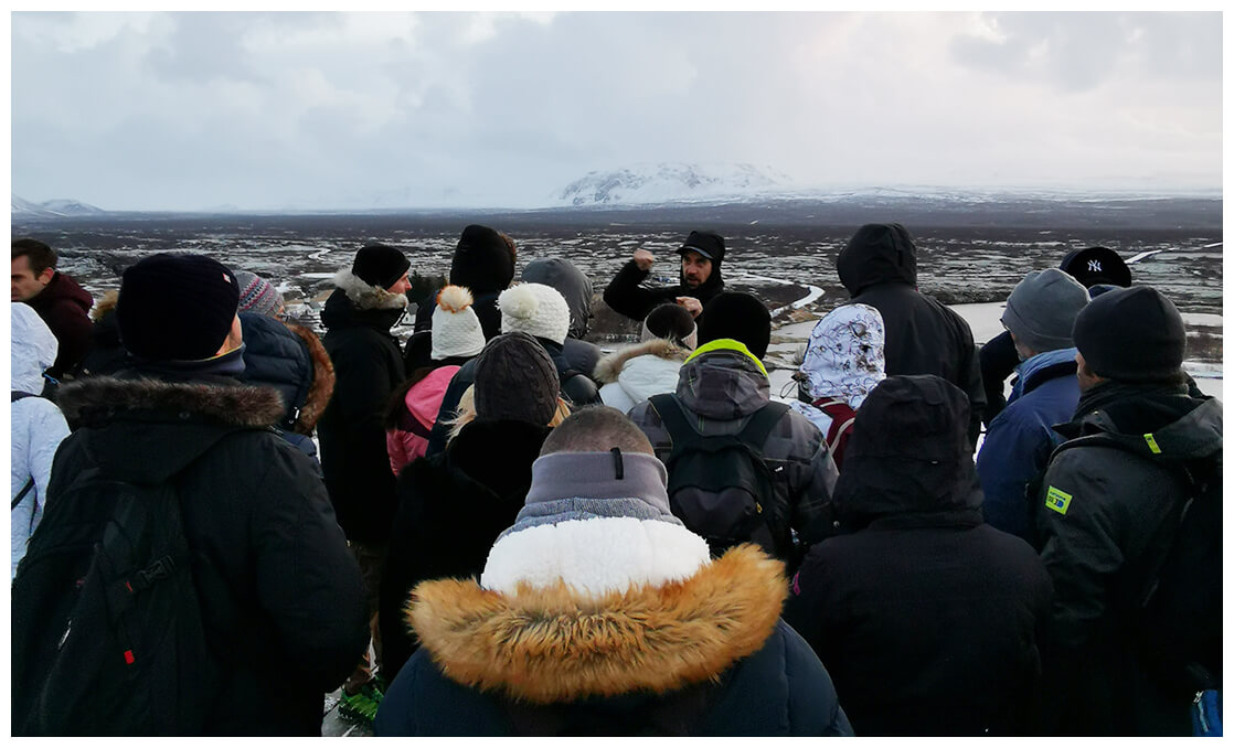 Guide lors d'un voyage de groupe en Islande