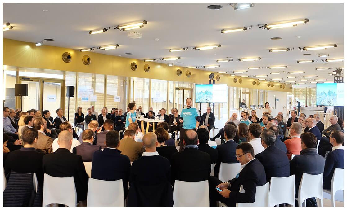 Assemblée de participants lors de la convention annuelle des mangers Siemens