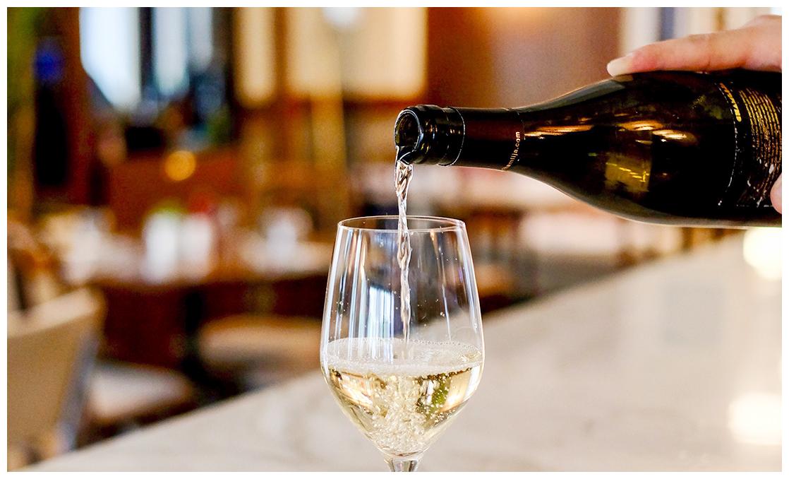 degustation de vin blanc